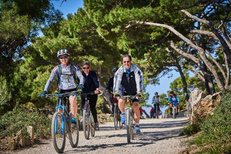 Weekend Bike and Gourmet Tour