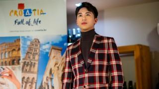 Verleihung des Preises EU Tourism Ambassador an den chinesischen Star Xu Weizhou