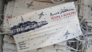 Speciale mondkapjes voor de horeca en particuliere verhuurders van het Bureau voor toerisme van Rovinj