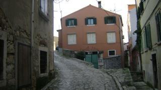 Dietro Castello (Croatian)