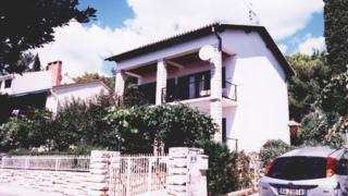 Villa San (Croatian)