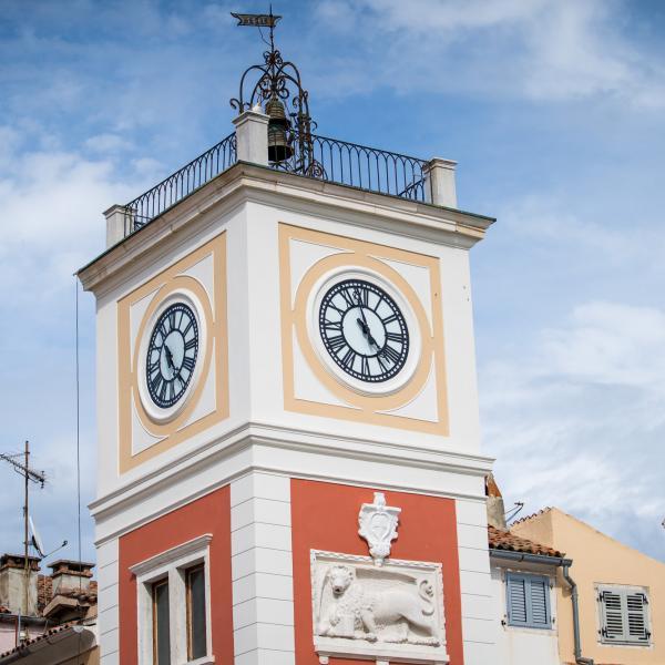 Ricostruite le campane in bronzo della torre dell'orologio del Municipio