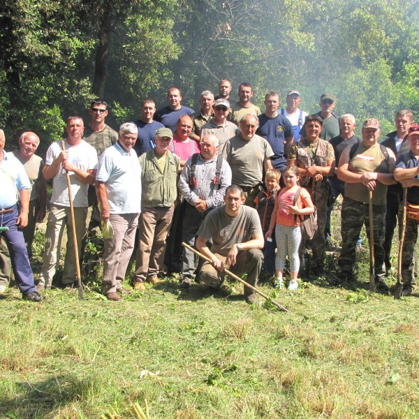 Hunters' clean-up action on Sveti Ivan