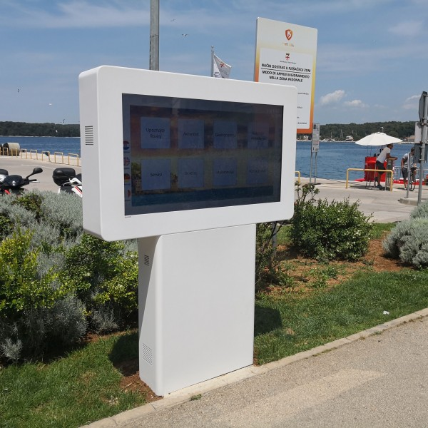 The Tourist Board Installs an Interactive Information Display at Valdibora